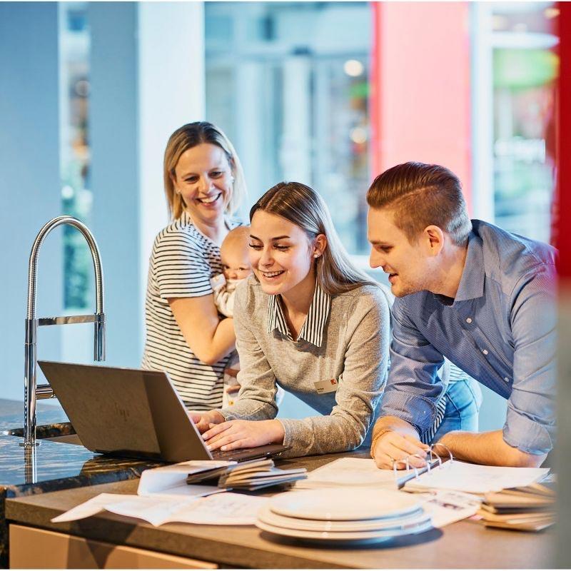 Ihre persönliche Beratung in der Wohn Schick Filiale oder am Telefon. Online Termin vereinbaren oder direkt vor Ort