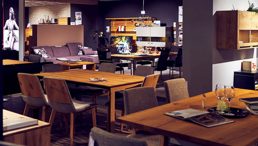 Bei uns finden Sie Tische und Stühle, Bänke und Tafeln, die zu Ihrem Leben und Ihrem Zuhause passen
