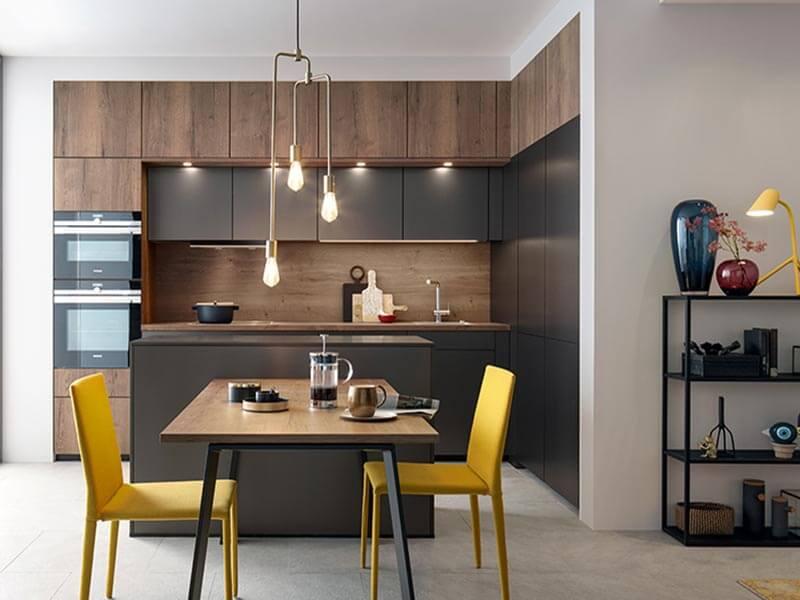 Küchenzeile mit Kücheninsel schwarz Holz-Optik zwei Backofen