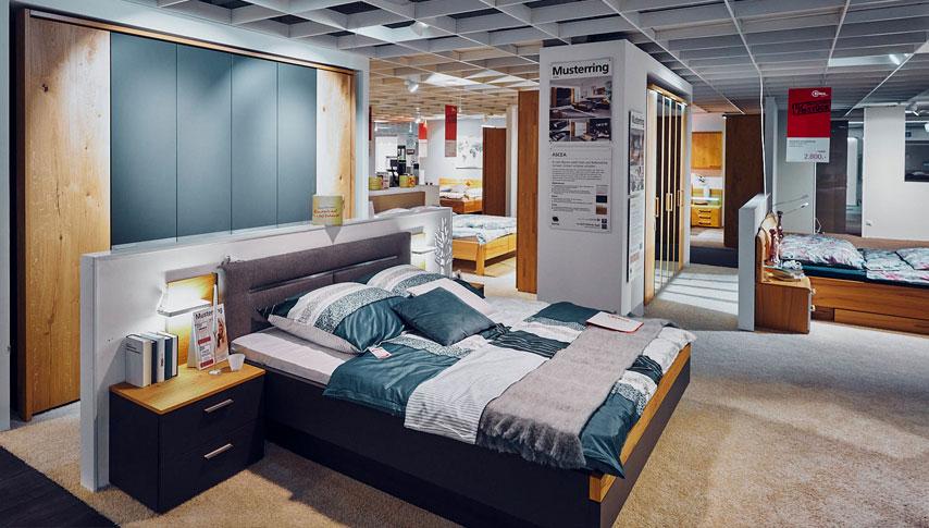 Schlafzimmer – Betten, Boxspringbetten, Kleiderschränke und Nachttische