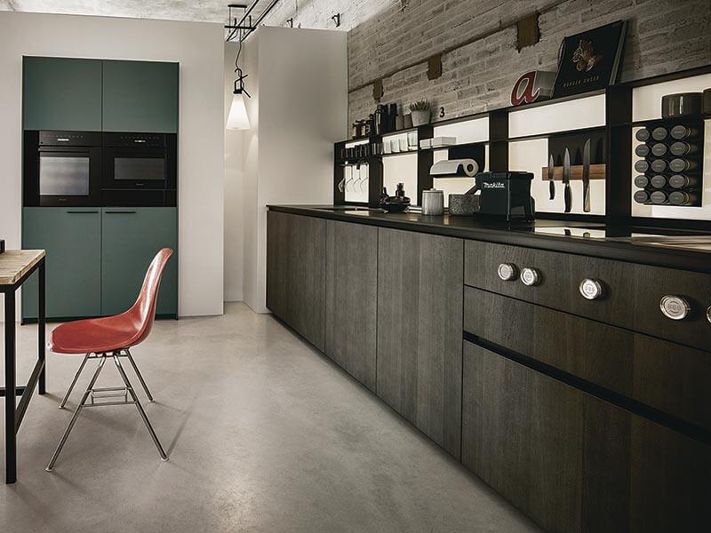 lange moderne Küchenzeile NEXT125 grifflos bei Wohn Schick