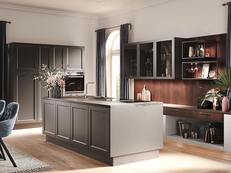Küche Landhaus grau mit Kücheninsel bei Wohn Schick