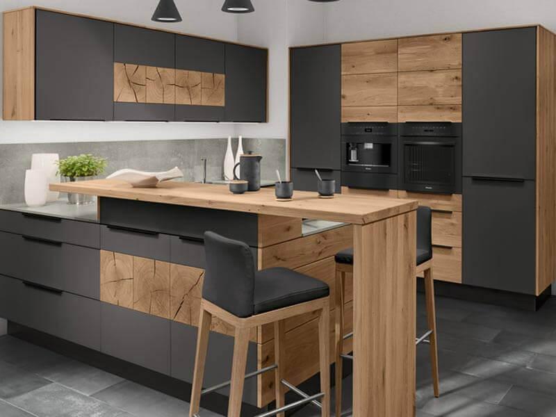 Kücheninsel grau Holz Decker Design E-Geräte