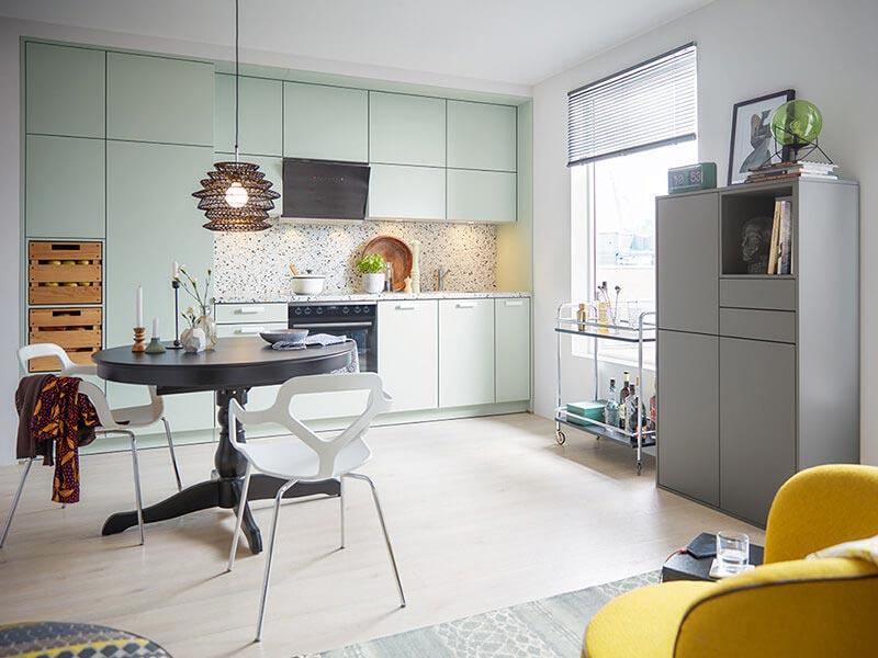Pastel Küche hell grün mit Elektrogeräten bei Wohn Schick