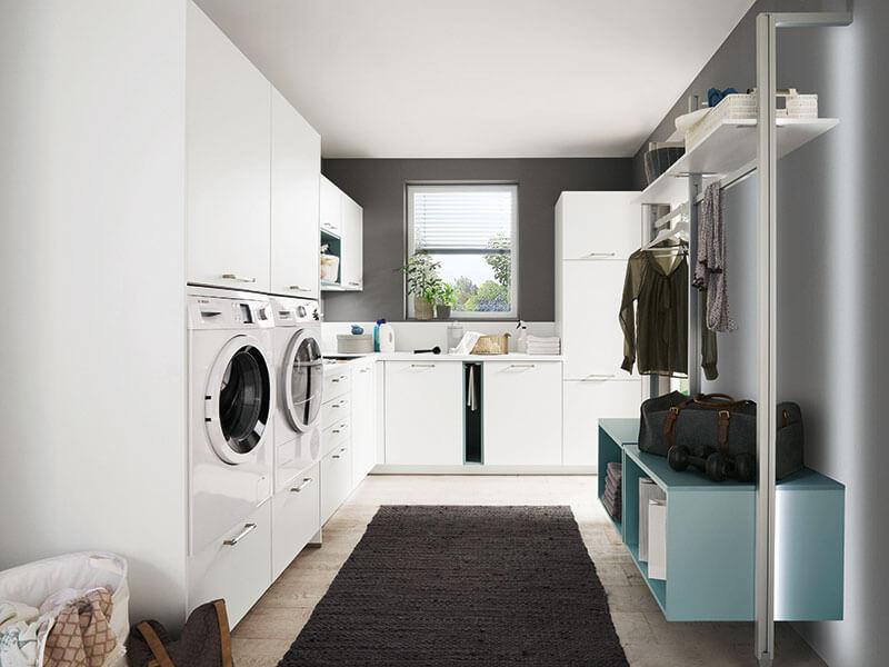 Haushalt Raum weiß mit Elektrogeräte