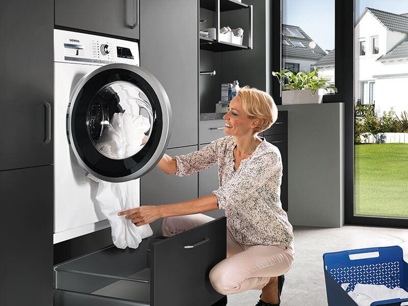 Wäsche waschen im Hauswirtschaftsraum nobilia