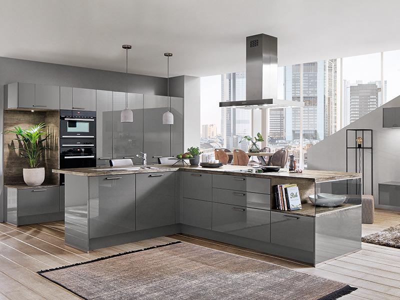 Hochglanzküche grau mit zwei Backofen L-Form Kochinsel mit Glas